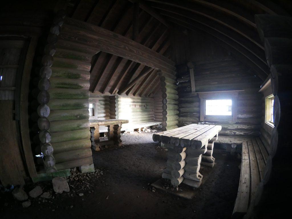 昔の三ノ塔避難小屋
